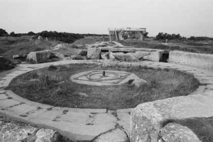 gun pit at Pointe du Hoc