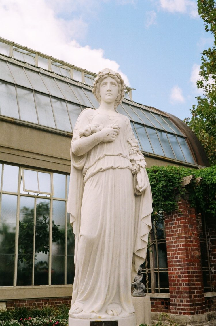 statue at the Wintergardens, Auckland Domain, Auckland, NZ