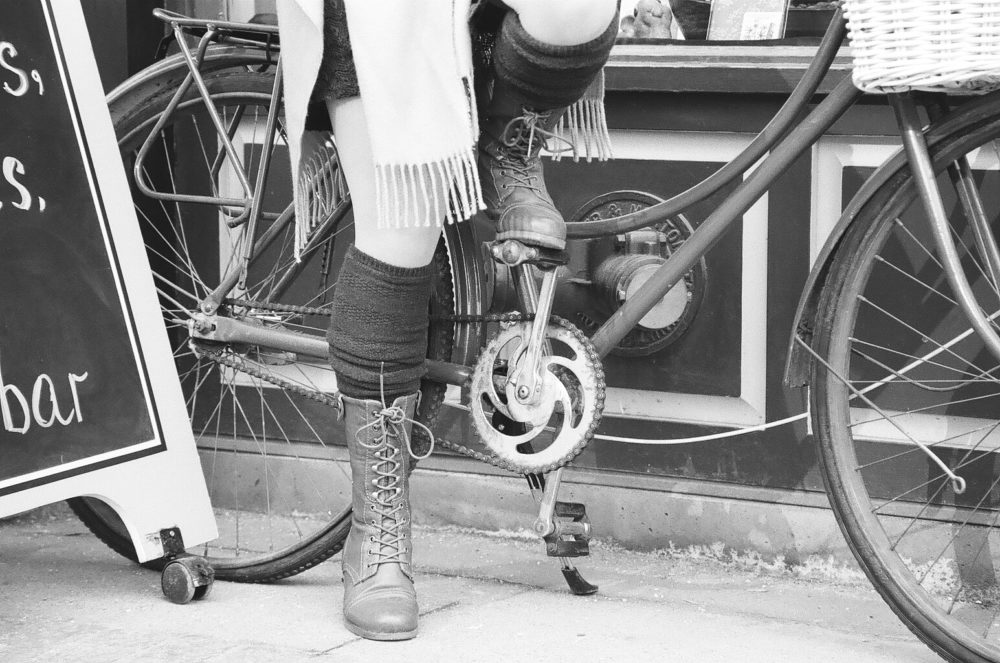 bicycle pedals and boots